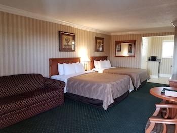 Suite, 2 Queen Beds, Sofa bed