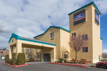 Hotel - Howard Johnson Hotel & Suites by Wyndham Vancouver