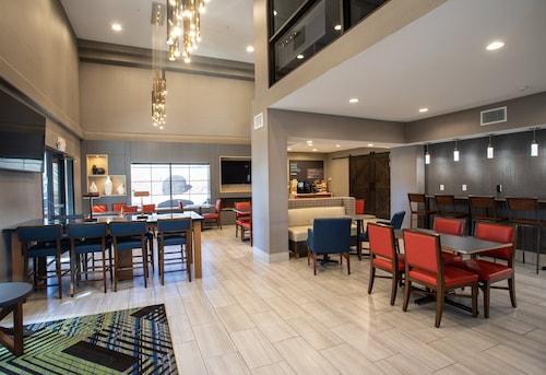 . Holiday Inn Express Prescott