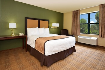 Guestroom at Extended Stay America - Baltimore - BWI Airport – Aero Dr. in Linthicum Heights