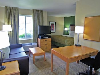 Guestroom at Extended Stay America - Phoenix - Scottsdale in Scottsdale