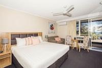 Superior Room at Greenmount Hotel in Coolangatta