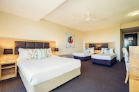 Deluxe Courtyard Room at Greenmount Hotel in Coolangatta