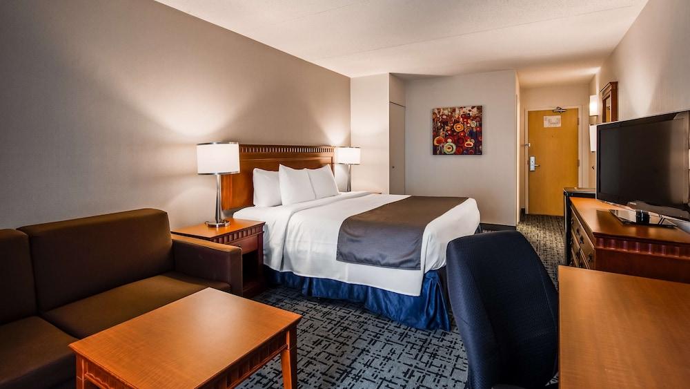 Standard Room, 2 Queen Beds, Non Smoking, Refrigerator (1st Floor)
