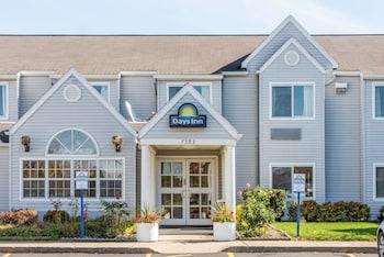 Hotel - Days Inn & Suites by Wyndham Boardman