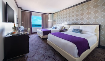 Deluxe Room, 2 Queen Beds, Non Smoking (Newly Remodeled)