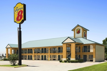 Hotel - Super 8 by Wyndham Grand Prairie Southwest