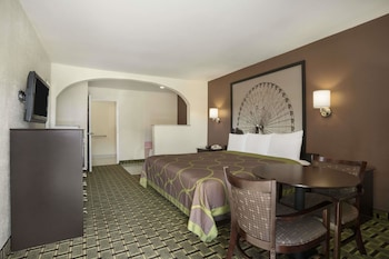 Suite, 1 King Bed, Hot Tub