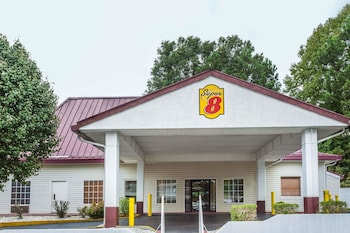 Super 8 by Wyndham Atlanta Northeast GA