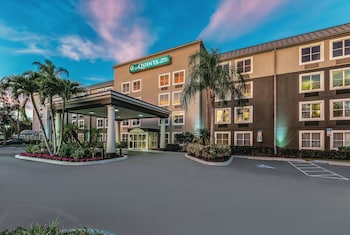 東那不勒斯 (I-75) 溫德姆拉昆塔套房飯店 La Quinta Inn & Suites by Wyndham Naples East (I-75)