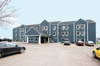 New Victorian Inn & Suites in Sioux City, IA