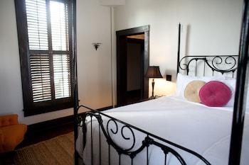 Standard Room, 1 Queen Bed (Havana)