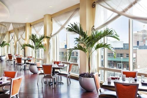 . Sheraton Atlantic City Convention Center Hotel