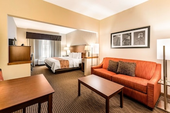 科林斯堡大學凱藝套房飯店 Quality Inn & Suites University Fort Collins