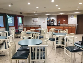 Americas Best Value Inn & Suites St Charles Inn St Louis