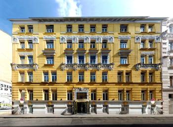 Hotel - Carlton Opera