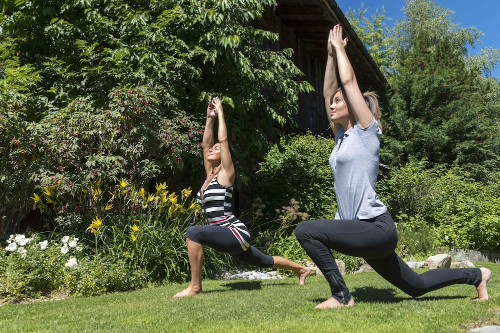 Health and Fitness : Yoga 70 of 152