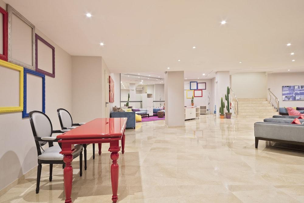 トリップ バルセロナ アポロ ホテル