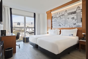 TRYP Barcelona Apolo Hotel - Featured Image