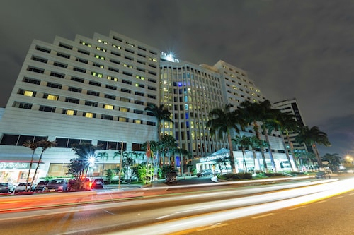 __{offers.Best_flights}__ Hilton Colon Guayaquil