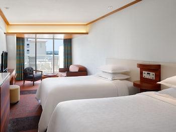 パーシャルツイン バルコニー付き 眺望なし ベッド2台 バルコニー付き(メインタワー)|シェラトン沖縄サンマリーナリゾート