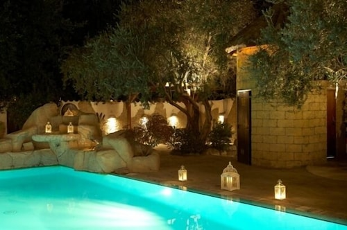 . Cleopatra Hotel
