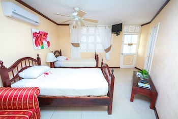 Junior Suite, 2 Bedrooms, Garden View (with Nanny Service)