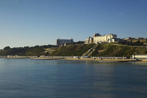 __{offers.Best_flights}__ Bournemouth Highcliff Marriott Hotel