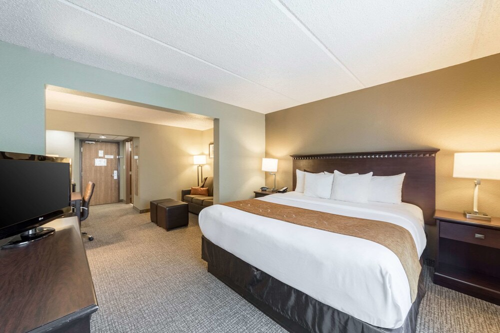 Suite, Multiple Beds, Accessible, Non Smoking (Upgrade)