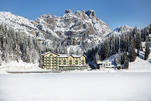 __{offers.Best_flights}__ Grand Hotel Misurina