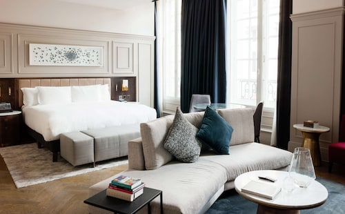 __{offers.Best_flights}__ The Trafalgar St. James London, Curio Collection by Hilton