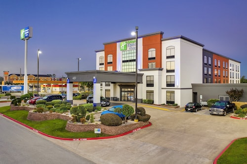 . Holiday Inn Express And Suites Longview North