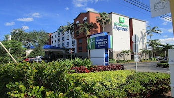 Hotel - Holiday Inn Express & Suites Ft. Lauderdale Airport West