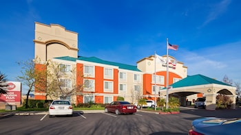 Hotel - Best Western Plus Airport Inn & Suites