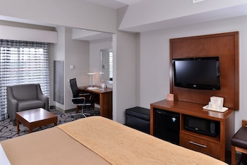 Suite, 1 King Bed, Non Smoking, Hot Tub