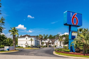 Hotel - Motel 6 Savannah - South