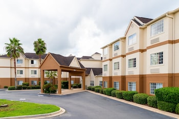 Red Roof Inn PLUS+ & Suites Savannah - I-95