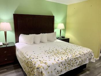 Hotel - Travelers Inn Medford