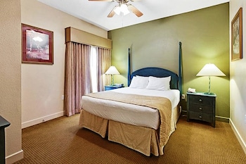 One Bedroom Golf Deluxe