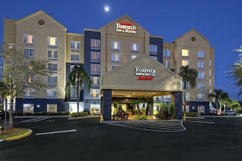 Exterior at Fairfield Inn & Suites by Marriott Near Universal Orlando in Orlando