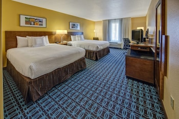 Guestroom at Fairfield Inn & Suites by Marriott Near Universal Orlando in Orlando