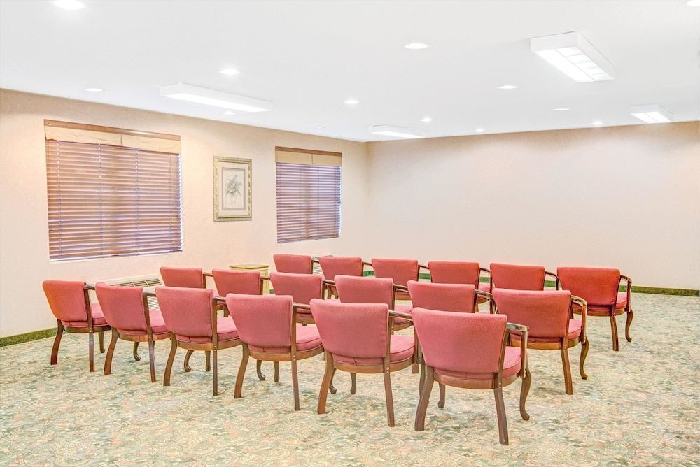 Meeting : Meeting Facility 8 of 29