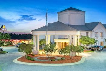 Hotel - Days Inn by Wyndham Louisburg