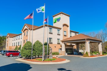 Holiday Inn Express & Suites Albermarle photo