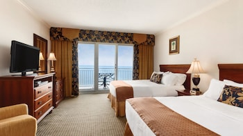 Suite, 2 Queen Beds, Non Smoking, Oceanfront