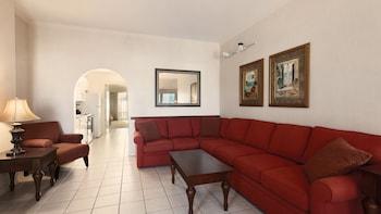 Guestroom at Holiday Inn & Suites Ocean City in Ocean City