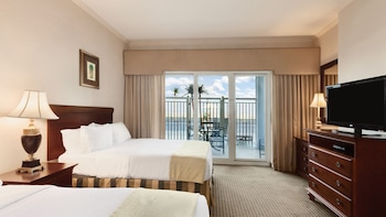 Suite, 2 Queen Beds, Non Smoking, Pool View