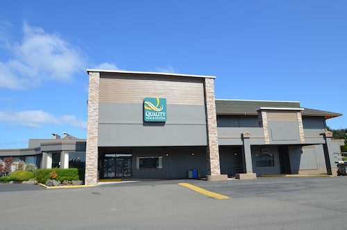 . Quality Inn & Suites at Coos Bay