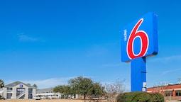 Motel 6 Bay Saint Louis, MS