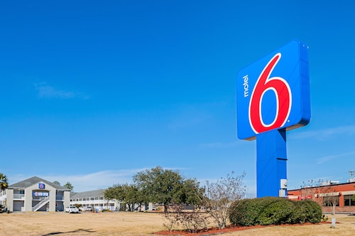 . Motel 6 Bay Saint Louis, MS